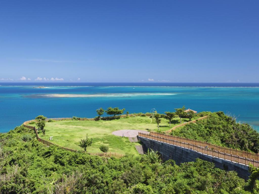 Ruins of Nakagusuku Castle - Japan National Tourism ... |Okinawa Japan Ruins
