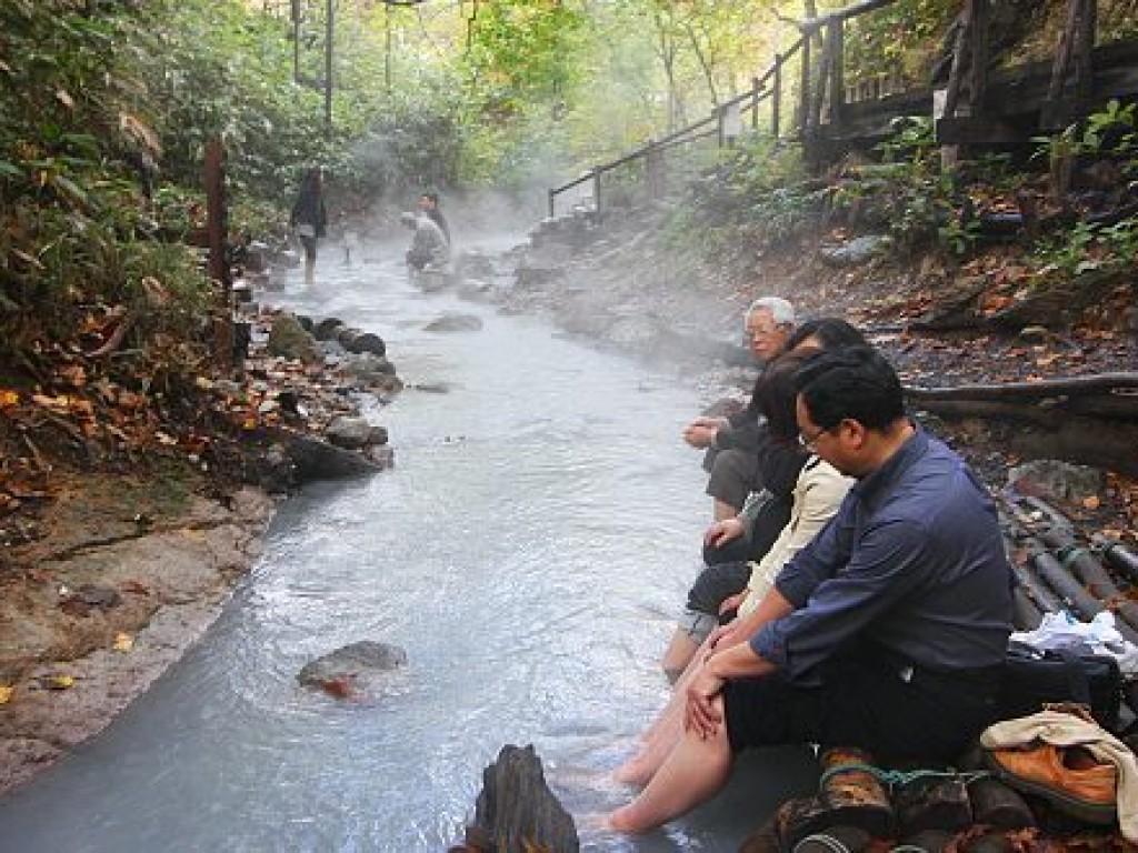Travel Lake Toya and Noboribetsu 3