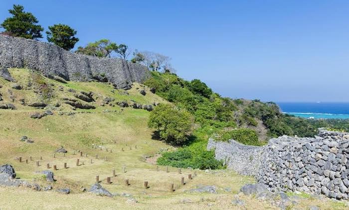 Tour 1 Hari Benteng di Okinawa & Churami Akuarium