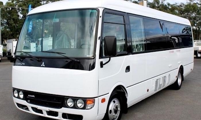 沖縄 小型巴士